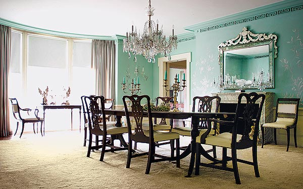 Classic-Dining-Room-Chandelier-Ideas